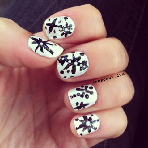 winter snowflake nails