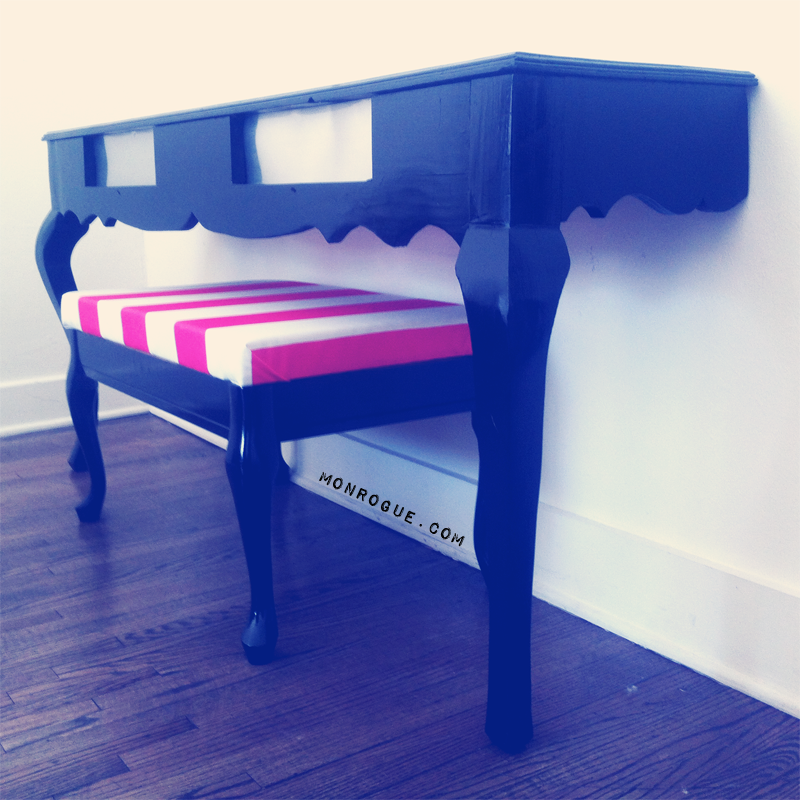 corner view, diy half table & bench via monrogue