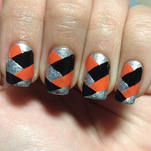 basket weave Halloween nails