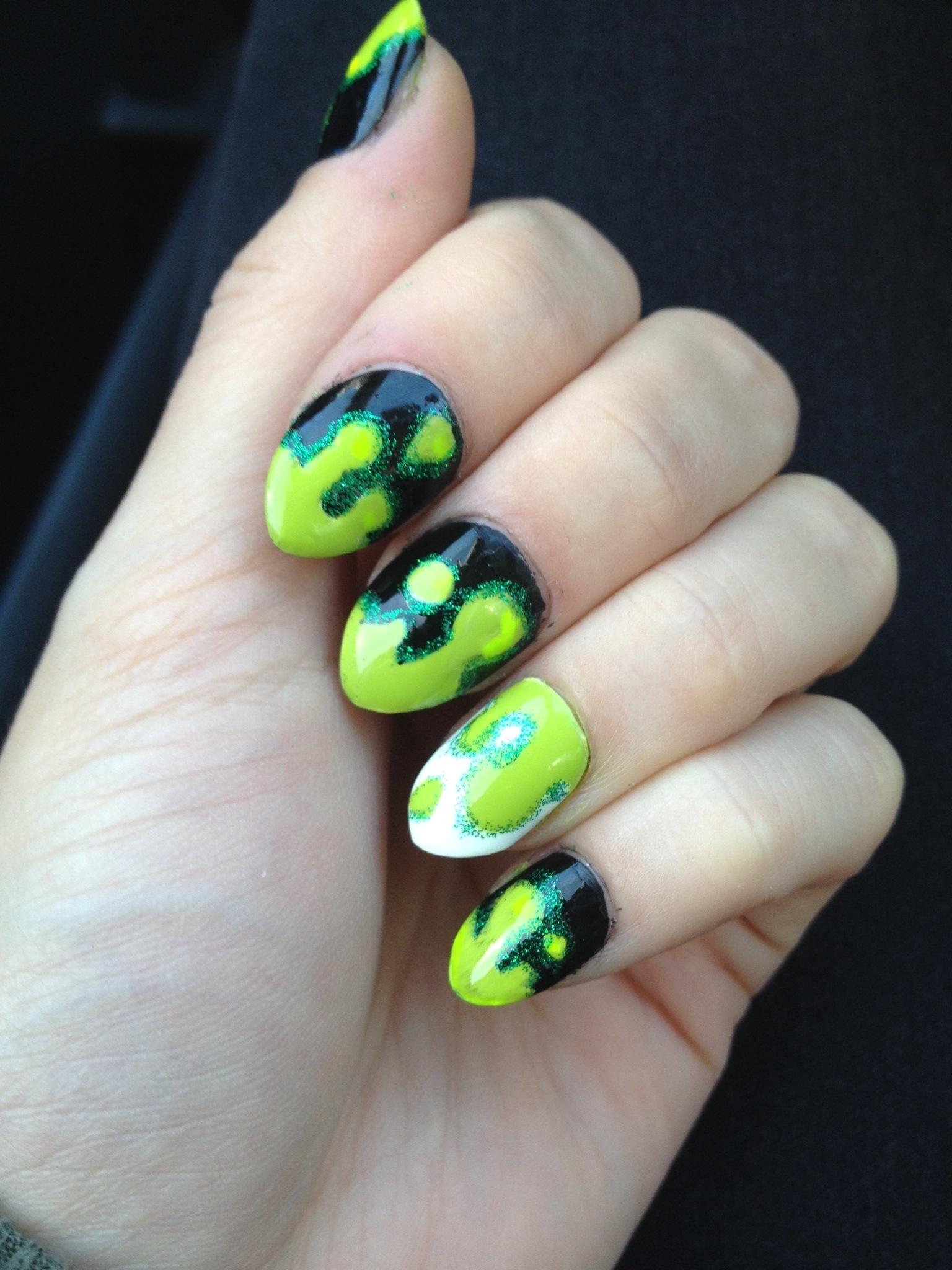 green slime Halloween nails